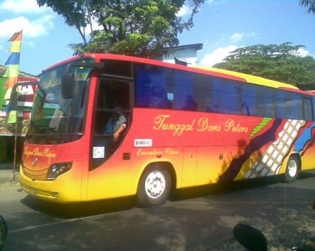 bis bus tunggal dara putra