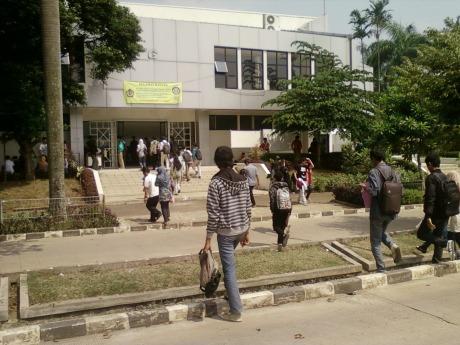 Pengambilan BPU USM STAN : depan gedung G